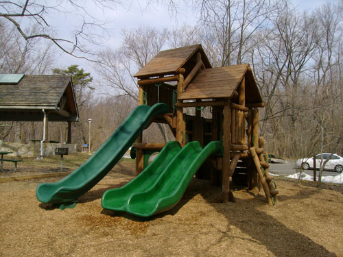 Potomac Overlook Ponderosa Playground by Bears Playgrounds
