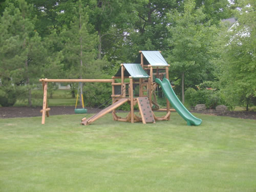 Pittsford, NY Ponderosa Playground by Bears Playgrounds